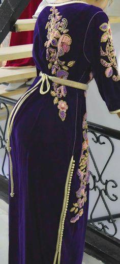 Casablanca, Moroccan Dress, Mom Dress, Evening Outfits, Caftan Dress, Abaya Fashion, Sweet Dress, Petite Dresses, African Dress