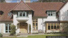 Arts & Crafts Era Modern - Arched entrance, different shaped windows, white render. Arts And Crafts House, Home Crafts, Style At Home, Edwardian Architecture, Rendered Houses, Bungalow House Plans, Gabel, Windows And Doors, Exterior Design