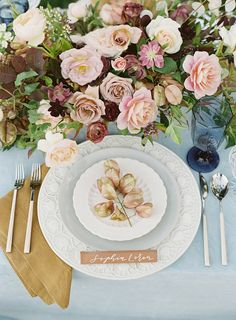 Pretty Floral Centerpiece and Place Setting | Villa Di Baci Editorial from Lynette Boyle Photography