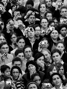 ○ ᴍɪʀᴢʜɴᴀɴɪᴀᴀᴀ ○ – ○ ᴍɪʀᴢʜɴᴀɴɪᴀᴀᴀ ○… - Types of Photography Film Photography, Animal Photography, Street Photography, Photography Ideas, Urbane Fotografie, Kreative Portraits, Jolie Photo, Black And White Photography, Old Photos