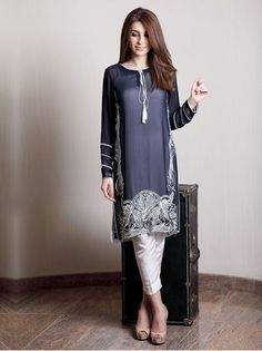 Dress by Natasha Kamal, Pakistan. Pakistani Fashion Casual, Pakistani Dress Design, Pakistani Outfits, Asian Fashion, Indian Outfits, Indian Attire, Indian Wear, Trajes Pakistani, Saris