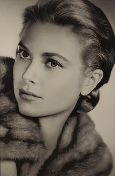 Dit portret van Grace Kelly is een echte blikvanger | Rofra home