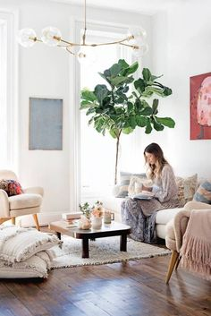 See inside designer Ulla Johnson's home (and living room)!