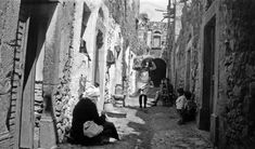 Καλαμωτή Χίου, δρόμος του χωριού, γύρω στα 1935 Έλλη Παπαδημητρίου Chios, Good Old, Greece, Island, Memories, Greece Country, Memoirs, Souvenirs, Islands