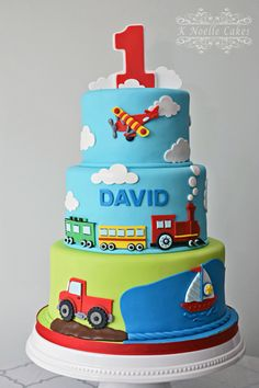 Things that move themed cake by K Noelle Cakes Transportation cake Baby Birthday Cakes, Cars Birthday Parties, Baby Cakes, Baby Shower Cakes, 2nd Birthday, Rodjendanske Torte, Transportation Birthday, Cakes For Boys, Creative Cakes