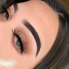 Make-up makeup ideas Stunning bridal makeup ideas 2020 Breathtaking eye makeup idea Eyebrow Makeup Products, Dupe Makeup, Skin Makeup, Daily Eye Makeup, Eyebrow Tips, Makeup Brushes, Makeup Inspo, Makeup Inspiration, Makeup Tips