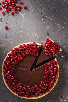 Un post non programmato che per me si tramuterà in un ricordo bellissimo! Questa crostata con ganache al cioccolato e melograno semplice ma davvero buona l'ho fatta in occasione delle tre lez…