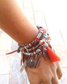 Estamos esperando por vocês!  Rua Francisco de Assis número 290 - Macaubas -  ibirite - MG AGENDE seu horário.  Vem arrasar de Analow Acessórios. ❤  ➡Mais informações pelo Whatsapp (31)99909-2708 ☎ ➡Aceitamos cartões  ➡Enviamos para todo Brasil ✈ #analowacessorios #bijuterias #biju #anel #pulseiras #pulseirismo #anelismo #divas #fashion #colares #aneis #anelismo #bodychain #colardeombro #brincos #maxibrincos #maxicolares #prata #prataenvelhecida