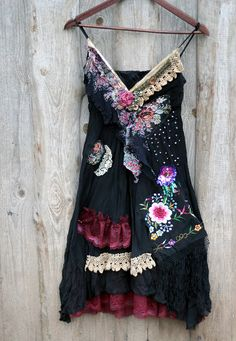 Totally in love! Hippie Style, Bohemian Style, Boho Chic, Quirky Fashion, Boho Fashion, Boho Outfits, Fashion Outfits, Diy Clothes, Clothes For Women