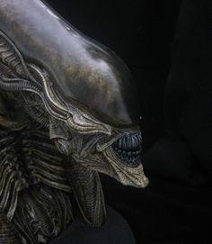 Dragonstooth Miniatures » Blog Archive » Fewture Alien Bust