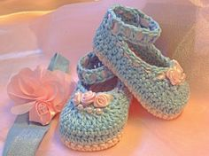 Crochet Baby Booties in Blue and Pink with ❤ by TippyToesBabyDesigns, $25.00