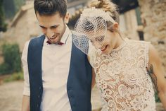 Shooting inspiración boda rúsica con vestido corto estilo vintage.  Autumn Love