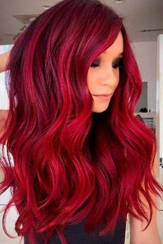 Jaw-Dropping Ways to Rock Red Hair Color Today Red hair is timeless and sexy. There are so many sexy shades to choose form for a bold new look. Check out our gallery of red shades for inspiration. Dyed Tips, Hair Dye Tips, Shades Of Red Hair, Red Hair Color, Burgundy Red Hair, Color Shades, Red Pink Hair, Magenta Hair, Violet Hair