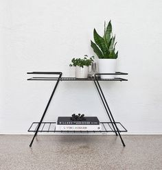 Mid-Century metal stand by Kimberly Rhodes Roberts, via Flickr