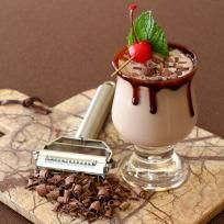 RumChata Chocolate Aperitif has a perfect combination of chocolate and coffee flavors. With a little RumChata to round it all out! Chocolate Vodka, Chocolate Cocktails, Delicious Chocolate, Rumchata Recipes, Vodka Recipes, Party Recipes, After Dinner Cocktails, Cocktail Desserts, Desserts In A Glass