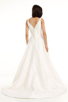 Style 8256 » Wedding Gowns » DaVinci Bridal » Available Colours : Ivory, White (back)
