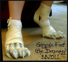 Look at these feet! If I can make these feet for the Wolf I'd be the happiest costumer on Earth :)