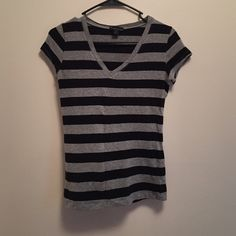 Gray and black striped t-shirt In perfect condition! Forever 21 Tops Tees - Short Sleeve