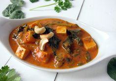Creamy tomato curry with spinach & tofu paneer