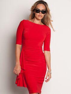 Becky, vestido rojo