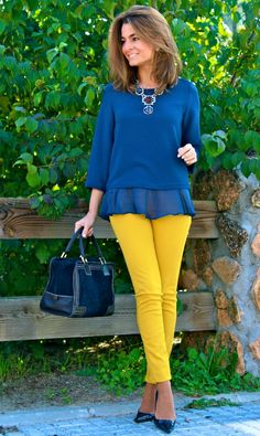 Colour Combinations Fashion, Color Combinations For Clothes, Classy Outfits, Casual Outfits, Cool Outfits, Girl Fashion, Fashion Dresses, Womens Fashion, Colored Pants Outfits
