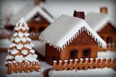 Medovnik - typical slovak honeycake Gingerbread, Ale, Desserts, Christmas, Food, Scenery, Cottage, Beauty, Xmas