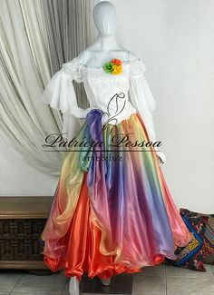Lupita Rodriguez, Flamenco Skirt, Dancing Day, Kids Frocks, Indian Designer Wear, 2 Colours, Belly Dance, Blouse Designs, Gypsy