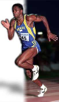 Robson Caetano da Silva, atleta especializado em corridas de curta distância, participou de 4 Olímpiadas, ganhando 1 bronze nos 200 m rasos em Seul e outro no revezamento 4x100 m em Atlanta. Teve uma série de 3 vitórias na Copa do Mundo (1985, 1989 e 1992) nos 200 m. Bateu dois recordes sul-americanos nos 100 m e cinco nos 200 m. Em 1989, terminou classificado como n° 1 do mundo, com tempo de 19s96 nos 200m. É detentor do recorde da prova dos 100m rasos,com tempo de 10s cravados, obtido em…