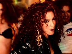 Oye'....  One of my faves...Love this video...Makes me get my groove on..Pahhaa...