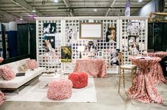 50 Inspiring Ideas for Bridal Show Booth - VIs-Wed Wedding Expo Booth, Bridal Show Booths, Photography Booth, Trade Show Booth Design, Vendor Booth, Space Up, Wedding Fair, A Boutique, Booth Ideas