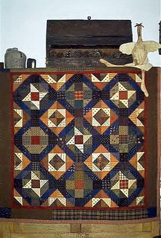 I Love all the quilt patterns by Lynda Hall......Go to her site: Primitive pieces by Lynda!