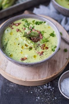 Green asparagus cream soup ⋆ crunchy parlor - Hello everyone, when I think of soup, winter is usually not far away. In summer with the high tempe - Vegetable Soup Healthy, Healthy Soup, Vegetable Recipes, Meat Recipes, Vegetarian Recipes, Cream Soup, Cooking Chef, Asparagus Recipe, How To Cook Chicken