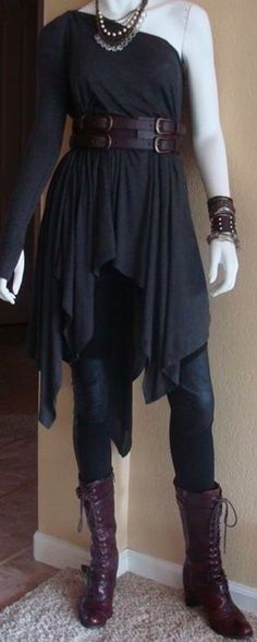 I love this style. Original, and elegant. The belted tunic looks great.