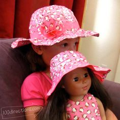 Matching child/doll Duct Tape sun hats diy-with-duck-tape American Girl Crafts, American Girl Clothes, Girl Doll Clothes, Doll Clothes Patterns, Girl Dolls, American Girls, Baby Dolls, Duct Tape Projects, Duck Tape Crafts