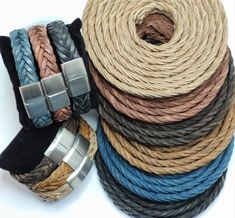 6 very practical colors to wear and timeless. Here you can see an example of what you could do with this leather. Flat braided leather can be used for many different items such as shoes, bags, key chains for example.  #timeless #leather #men