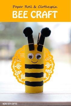 Easy paper roll bee craft for kids. This easy spring craft is perfect for an insect study unit in the classroom. Toddlers and preschoolers will love it. at Non-Toy Gifts Bee Crafts For Kids, Spring Crafts For Kids, Summer Crafts, Projects For Kids, Diy For Kids, Craft Projects, Toddler Preschool, Toddler Crafts, Preschool Crafts