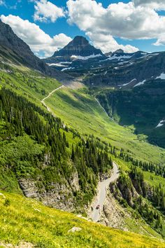 Logan Pass to Many Glacier Via Highline and Swiftcurrent Pass Trails, Glacier National Park, Montana | pinned by haw-creek.com