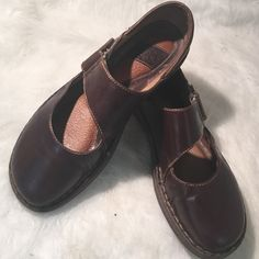Born brown leather Mary Jane shoes size 9.5 Looks so nice and comfy just has some gentle used with some minor scratches that can just be polish only. Born Shoes Mules & Clogs