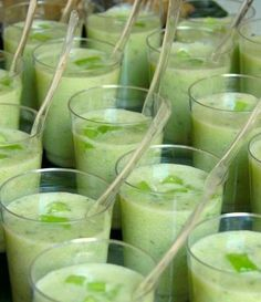 Verrines concombre, lait de coco et coriandre