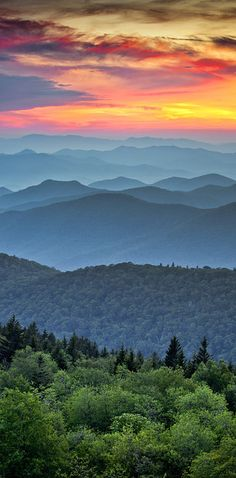 Asheville, North Carolina | An awesome mix of Southern charm and hippie creativeness, Asheville has tons to offer: beautiful mountains, trails, and swimming holes, and a charming downtown with musicians, local shops, and lots of amazing food!