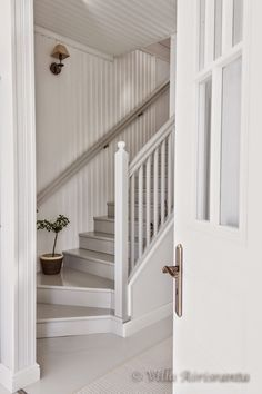 Rustic, beautiful home, white decor, staircase, stairs Cottage Stairs, House Stairs, Small Staircase, Staircase Design, Rustic Staircase, Painted Staircases, Painted Stairs, Painted Wood Floors, Entry Stairs
