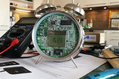 Weather Forecast Clock Using Old Alarm and Arduino - Hackster. Super Mario Bros, Arduino Mega, Batterie Lipo, Machine Cnc, Hobby Kids Games, Old Cell Phones, Diy Tech, Hobbies For Couples, Ideas