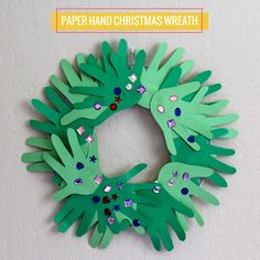 Kids Craft: Paper Hand Christmas Wreath #DIY #Crafts