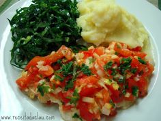 Claudia's Recipe: Easy Baked Fish FilletIngredients  5 large fish fillets  3 crushed garlic cloves (divided in 2 parts)  1 finely chopped onion  2 chopped tomatoes  olive oil  salt and pepper  juice of 1 lemon  chopped parsley