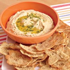 30 easy dips and appetizers Easy Hummus and Pita Chips Appetizer Dips, Yummy Appetizers, Appetizers For Party, Appetizer Recipes, Party Recipes, Dip Recipes, Smoothie Recipes, Recipies, Sauces