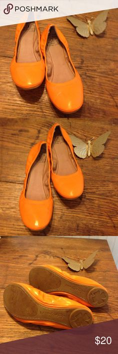 Lucky Brand orange foldable flats size 8 Lucky Brand orange foldable flats size 8. These are in great condition. Make an offer. Lucky Brand Shoes Flats & Loafers