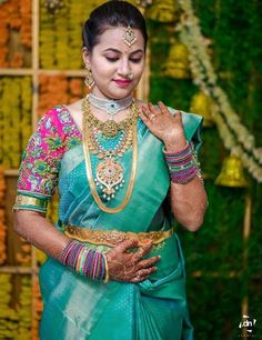 Beautiful maggam work designs on pattu blouses! Read this to know how to get your first blouse stitched perfectly with maggam work! South Indian Wedding Saree, Indian Bridal Sarees, Bridal Silk Saree, South Indian Bride, Indian Beauty Saree, South Indian Weddings, Saree Wedding, Silk Sarees, Blouse Back Neck Designs