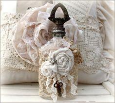 botella con rosas vintage