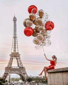 Photo September 14 2019 at womens fashion style hats shoes minimal simple dress ootd summer comfortable for her ideas tips street Eiffel Tower Photography, Paris Photography, Girl Photography, Travel Photography, Paris Pictures, Paris Photos, Love Pictures, Cute Girl Wallpaper, Strictly Weddings