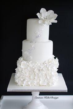 Winter wedding cake! www.emmaskakedesign.no Diy Step By Step, Fondant Rose, Cake Tutorial, Small Flowers, Wedding Cakes, Trondheim, Winter, Profile, Tutorials